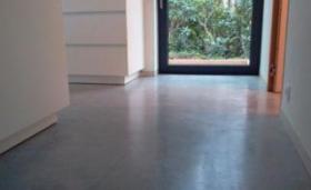 Gevlinderde gepolijste betonvloer