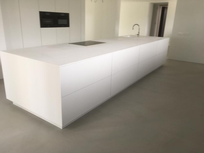 Betonlook vloeren berkers vloeren: cementdekvloeren gietvloeren