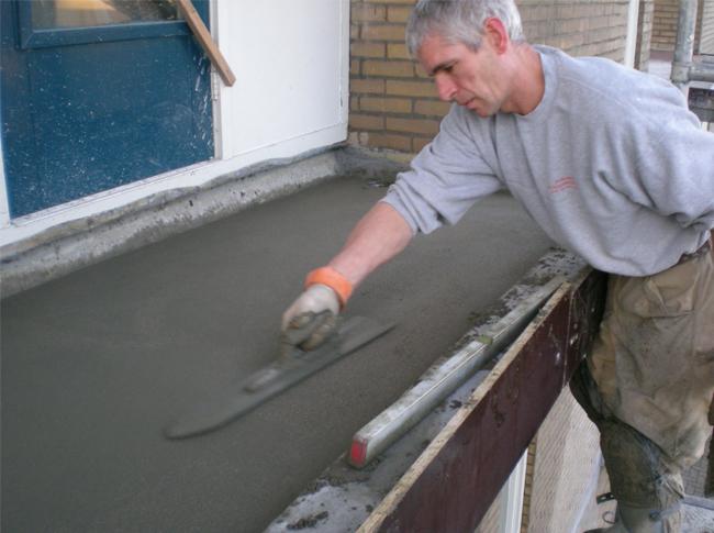 Realisatie van cementdekvloeren op balkons, renovatie projecten.