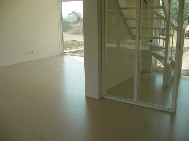 Betonlook PU Gietvloer woonhuis Brabant #woonbeton #berkersvloeren #gietvloeren #betonlook